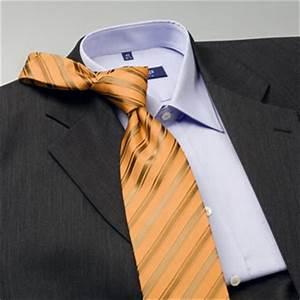 Combinar la corbata con camisa y traje