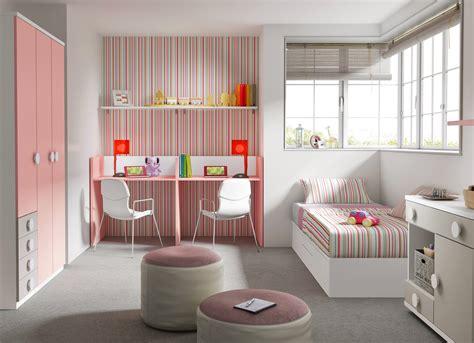 chambre lits jumeaux chambre bébé fille avec un lit jumeaux évolutif glicerio