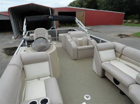 Crest Pontoon Boat Captains Chair by Crest 230 Slr Cp2 Slr2 Cp2 2013 For Sale For 15 000