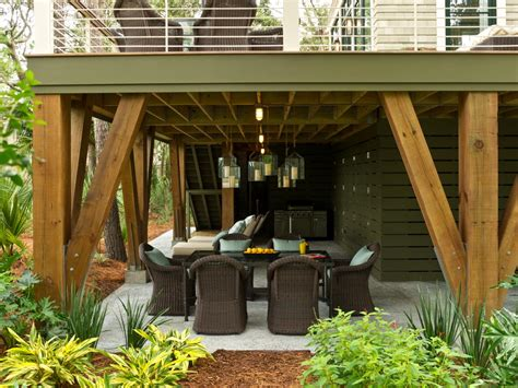 create  comfortable  relaxing place   family  building  patio  deck homesfeed