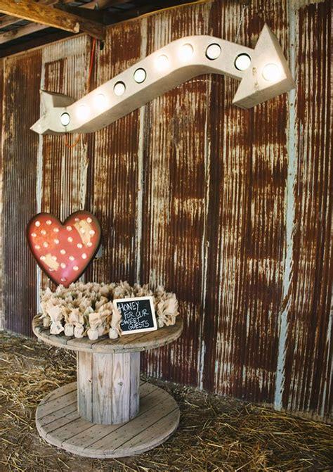 DIY Arkansas barn wedding 100 Layer Cake