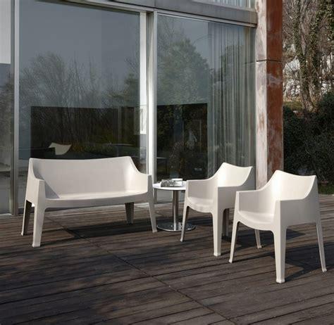 canape exterieur plastique le canapé de jardin embellit votre espace extérieur