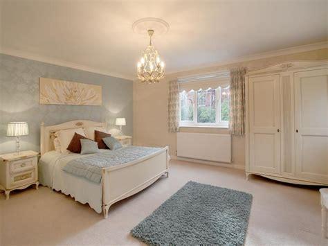 White Bedroom Wallpaper, Light Blue And White Flag Light