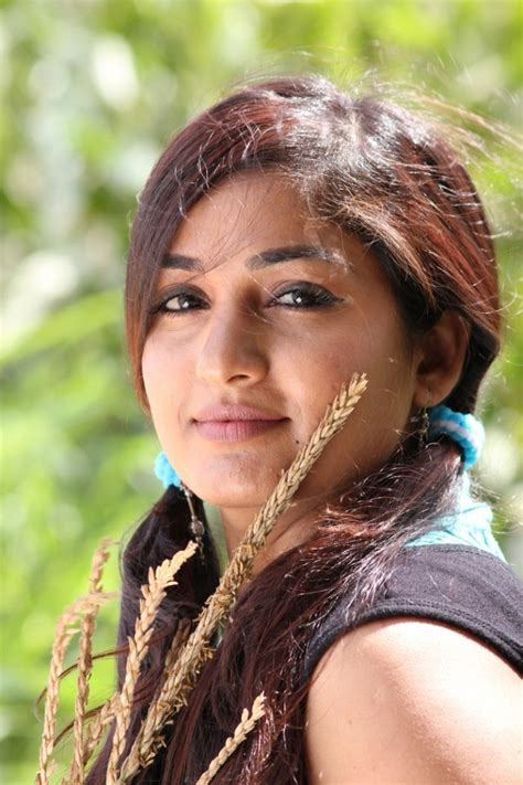 madhavi latha telugu cinema actress photo gallery