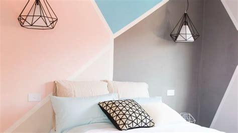 modele couleur peinture pour chambre adulte déco chambre créer une tête de lit en peinture originale