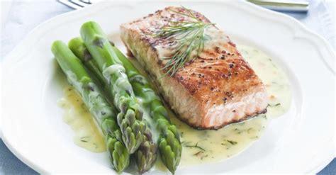 sodomie dans la cuisine pav 233 de saumon l 233 ger et asperges vertes 224 la cr 232 me citronn 233 e 224 l aneth