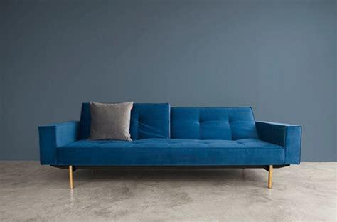 canapé bleu turquoise 10 canapés qui osent la couleur darty vous