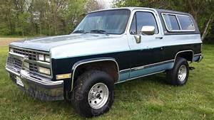 1989 89 Chevrolet Chevy 4x4 K5 Blazer Silverado Two Tone Blue