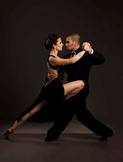 Argentine dancers to perform tango special - Life & Style ...