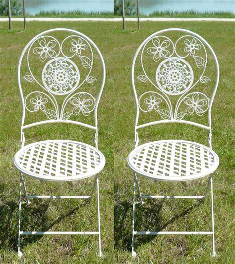 chaise en fer forgé de jardin paire de chaises en fer forgé pour salon de jardin tables bancs