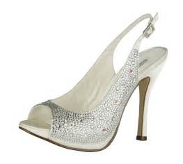 shoes for a wedding everything but the dress bling wedding shoes