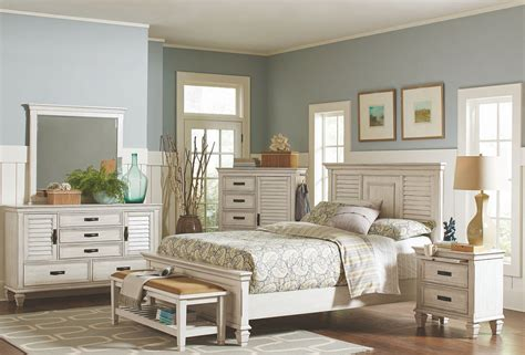 Antique White Bedroom Furniture by Liza Antique White Panel Bedroom Set 1stopbedrooms