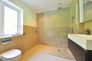 Nettoyer Salle De Bain : 18 conseils pour nettoyer votre salle de bain ~ Dallasstarsshop.com Idées de Décoration