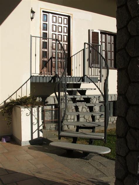 scale esterne  ferro  pietra boiserie  ceramica