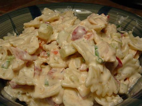 salade de pates au saumon sauce cr 200 meuse aux herbes