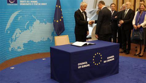 Latvija paraksta protokolu, ar ko groza Eiropas Padomes ...