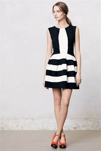 attractive black and white dress to add glamour to ur