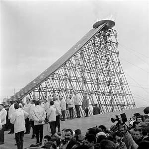 L Escalier Grenoble : 6 f vrier 1968 ouverture des jeux olympiques de grenoble ~ Dode.kayakingforconservation.com Idées de Décoration