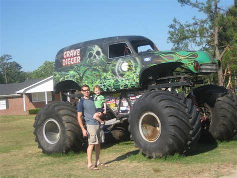 old grave digger monster truck grave digger monster truck flickr photo sharing