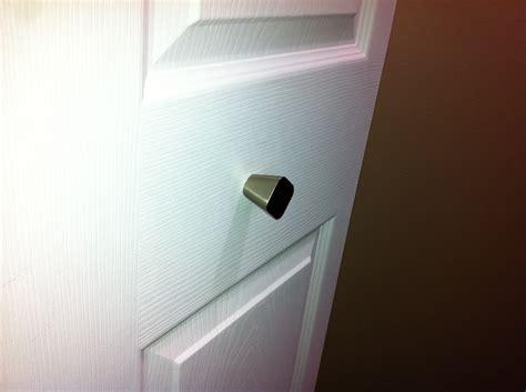 closet how do i stabilize a knob on a hollow bifold