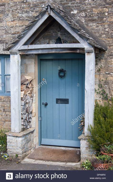 cottage front doors cotswold doors church door cotswold door wall