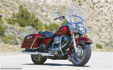 Harley Davidson Road King Wallpaper by Wallpaper Harley Davidson Touring Flhr Road