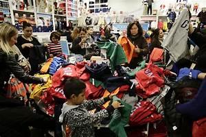 Black Friday Online Shops : black friday marred by violence in several states huffpost ~ Watch28wear.com Haus und Dekorationen