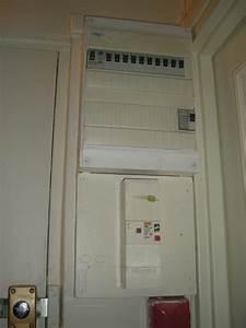 Comment Cacher Un Compteur électrique Dans Une Entrée : cache tableau electrique ~ Melissatoandfro.com Idées de Décoration