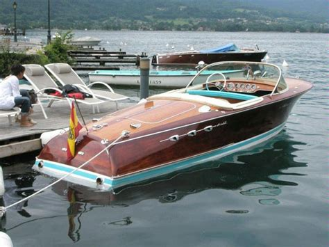 Riva Boats Nz by Best Small Classic Powerboats Boats