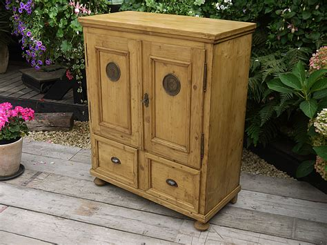 Gorgeous! Old Antique Pine Cupboard