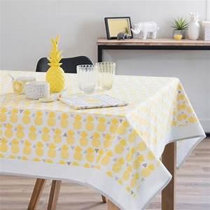 Ananas Maison Du Monde : nappe en coton jaune 150 x 250 cm pinapple maisons du monde yellow pinterest ~ Teatrodelosmanantiales.com Idées de Décoration