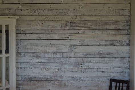 White Washed Pallet Wall My Husband And I Tacked Up Tar
