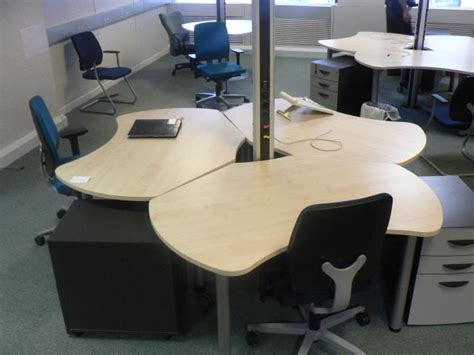 Space Saver Desk Chair by About Office Desks How To Choose Them What Different