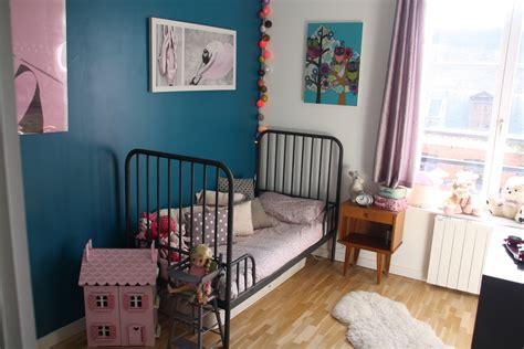 chambre b b bleu canard stunning chambre bleu enfant contemporary lalawgroup us