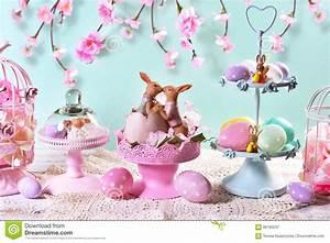 Des Couleurs Pastel : d coration de table de p ques dans des couleurs en pastel image stock image du lapin couleur ~ Voncanada.com Idées de Décoration