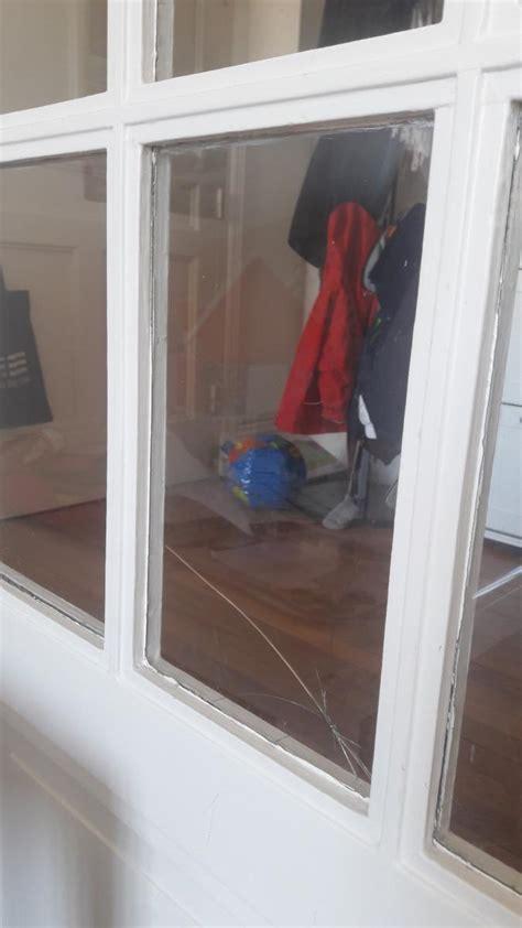 changer carreau dune porte vitree interieure sans mastic