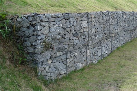 rock walls in wire mesh need the how to s on quot backfilling quot homesteading today