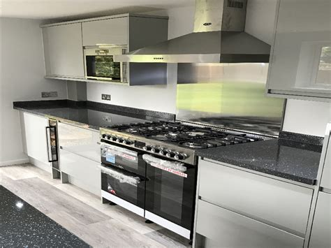 Berkshires Premier Kitchen Fitters  Reliable Builders 5