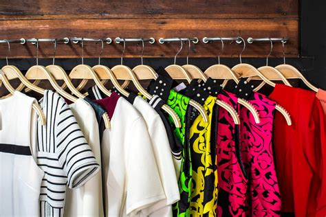 7 Simple Steps To A Clutter-free Closet