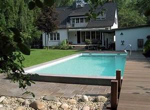 Pool Bauen Lassen Preis : schwimmbad mit steg im garten schwimmbad zu ~ Markanthonyermac.com Haus und Dekorationen