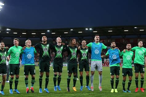 With 'vfl wolfsburg to go', football fans are now informed even more quickly about the. 2019-2020 Bundesliga Preview: VfL Wolfsburg - Fear The Wall