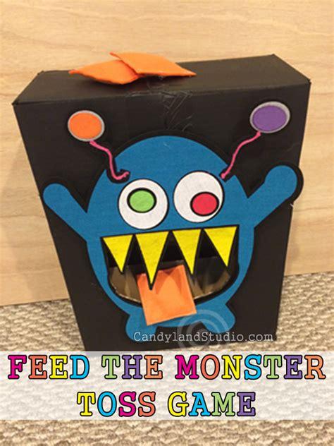 feed  monster toss game
