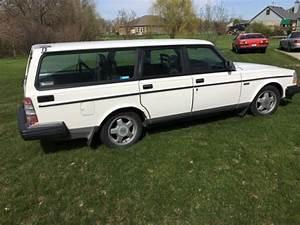 1988 Volvo 240 5 Speed Wagon W   Extra Turbo Motor  Ipd