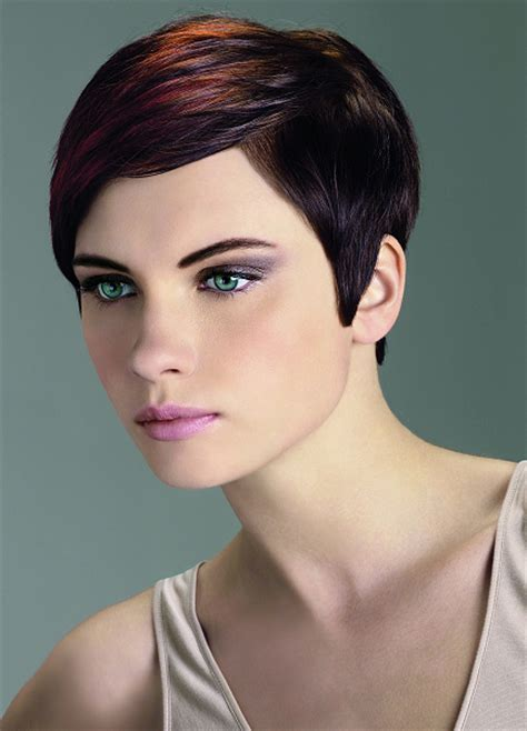 Medium Pixie Cut Hairstyles by Pictures Medium Pixie Haircuts For Side
