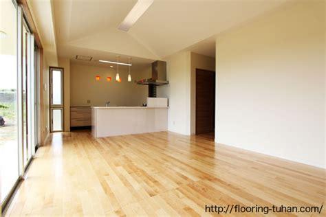 s g flooring 無垢フローリングのある暮らし 節あり床材で自然な明るさ演出したお家 カバ桜無垢フローリング