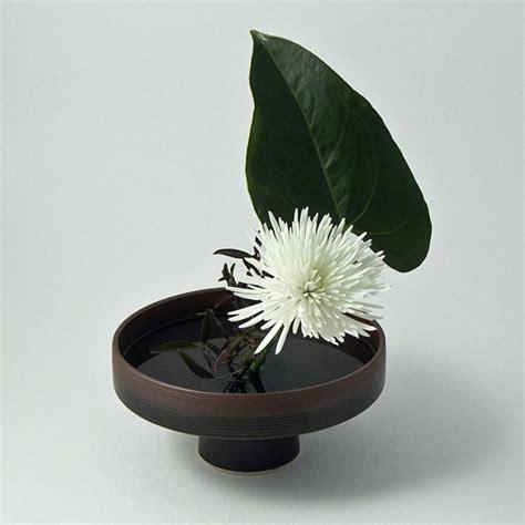Flower Arranging Vases earthen pedestal vase for traditional flower arranging ziji