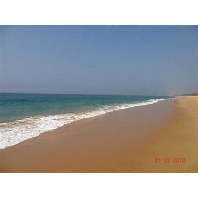 golden sand beach - Picture of Poovar Island
