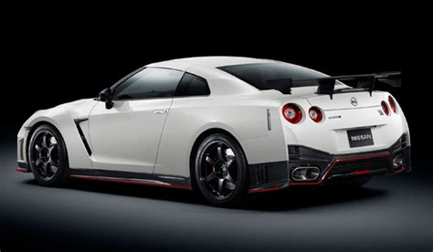 nissan sports car 2015 the 2015 nissan gt r nismo with video carstuff