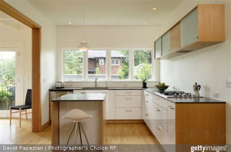 cuisine americaine appartement idées pour une cuisine semi ouverte portail maison