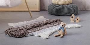 Tapis Peau De Bete : un tapis de peau de mouton en tricot marie claire ~ Teatrodelosmanantiales.com Idées de Décoration